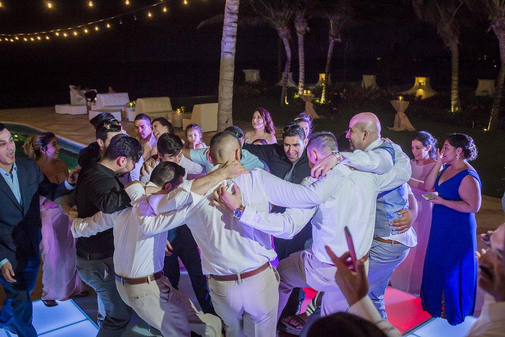 yesica-jose-beach-wedding-Villa-La-Joya--Playa-del-carmen-01--41.jpg