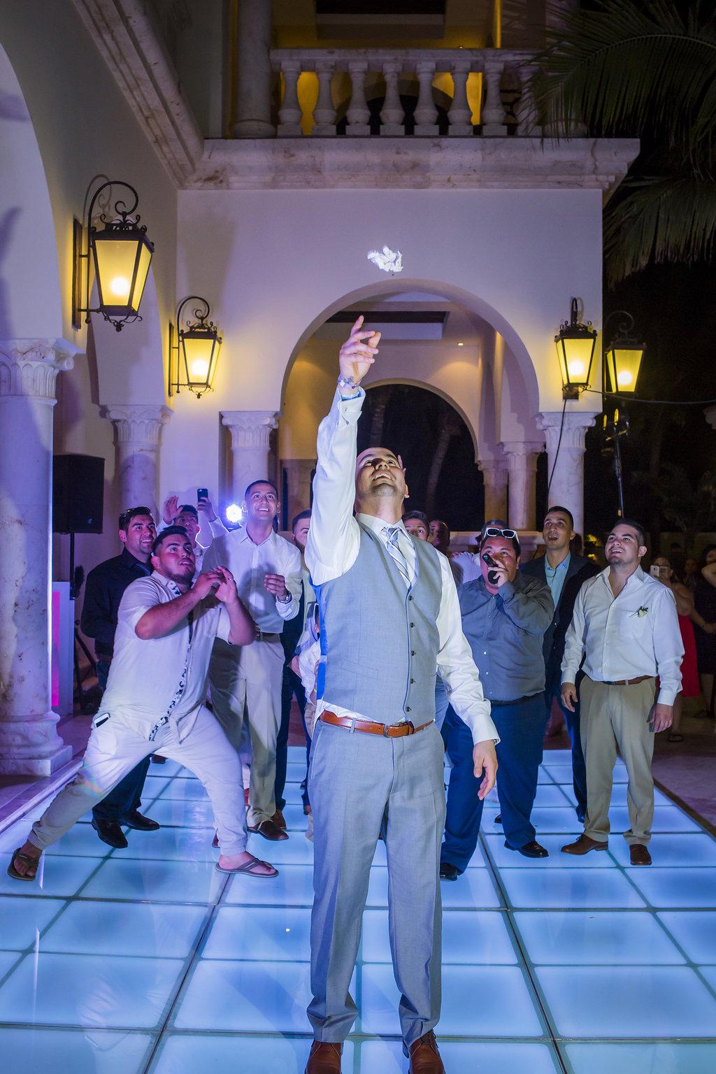 yesica-jose-beach-wedding-Villa-La-Joya--Playa-del-carmen-01--44.jpg