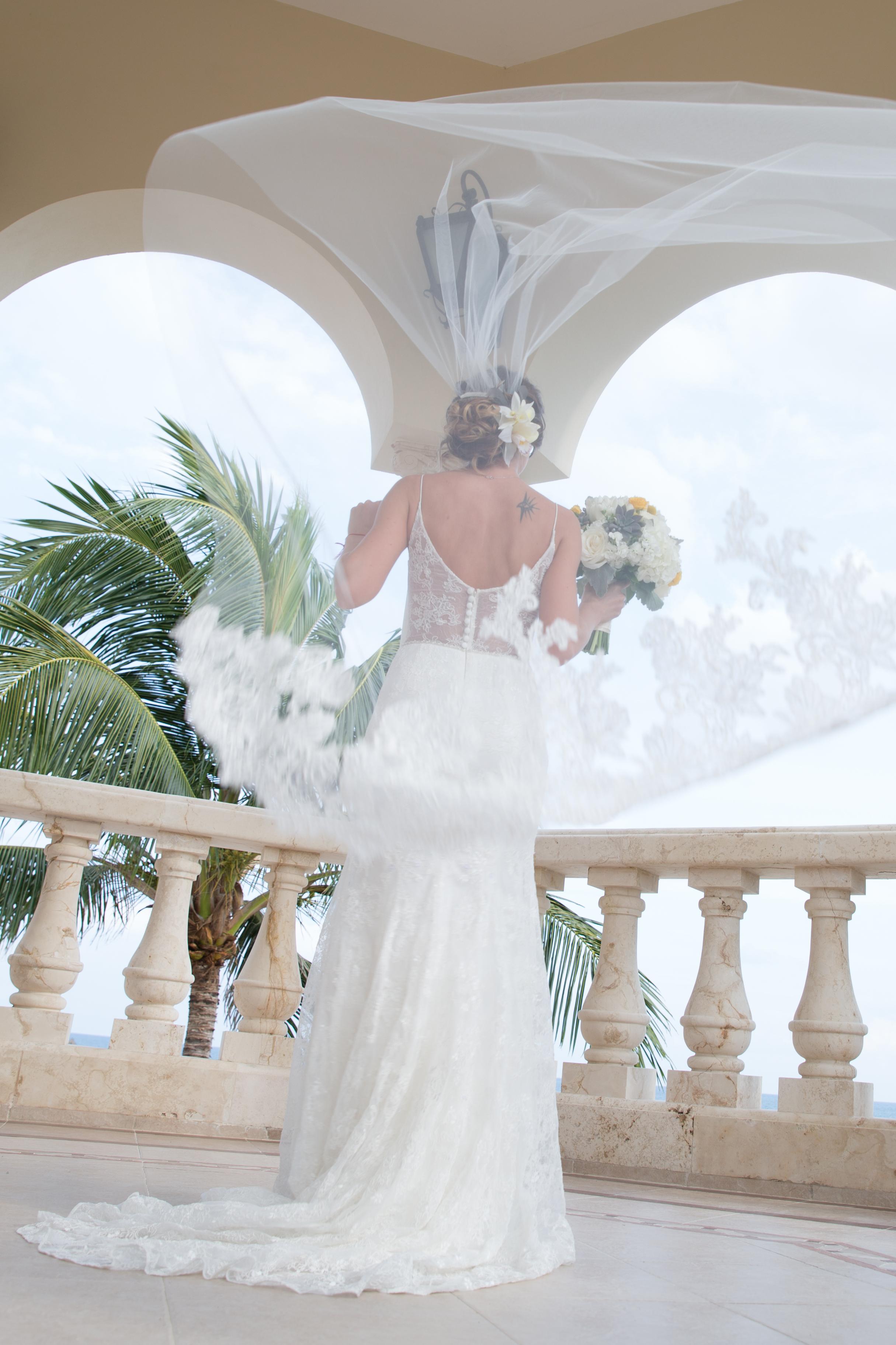destination-wedding-venue-villa-la-joya-08.jpg