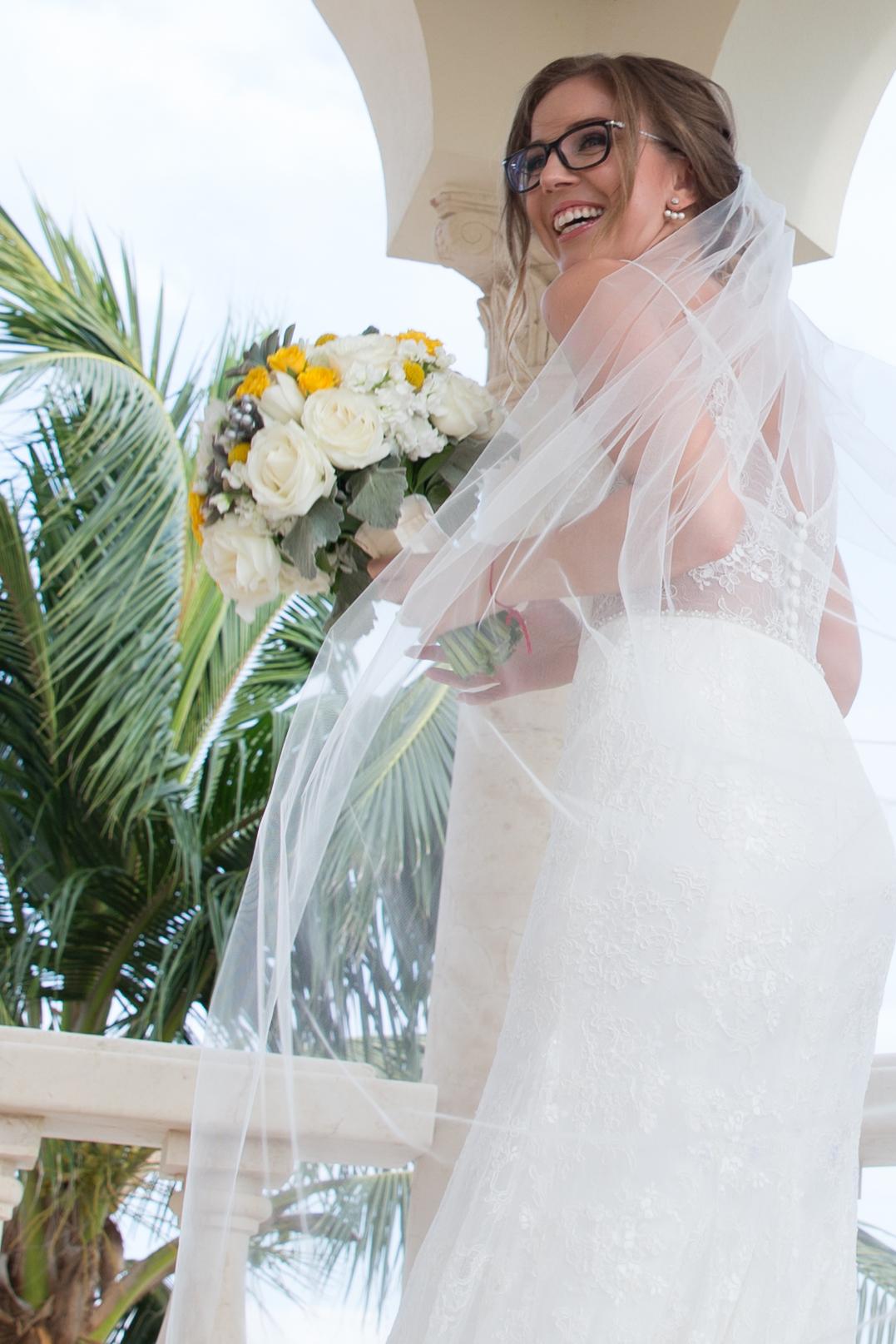 destination-wedding-venue-villa-la-joya-09.jpg