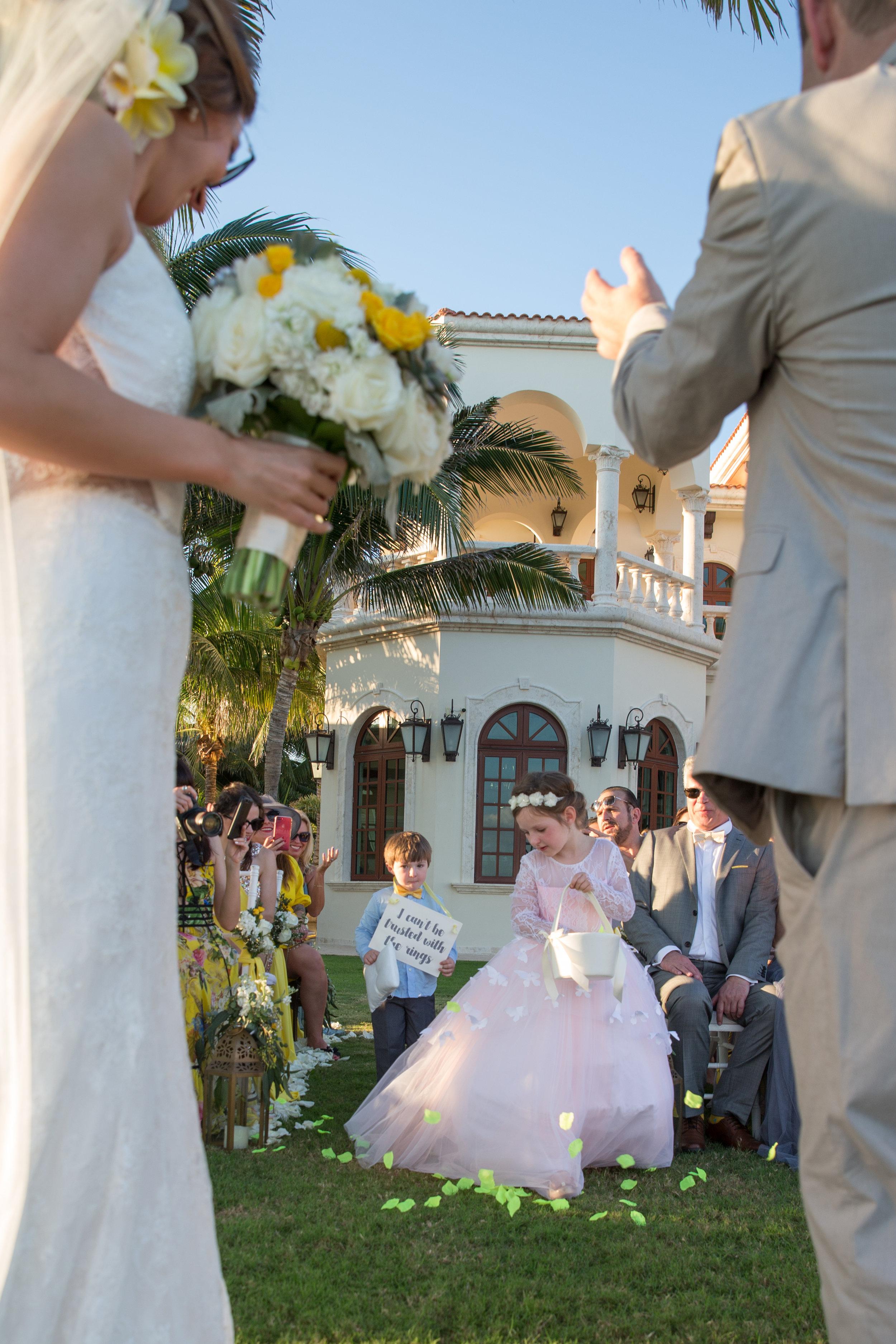 destination-wedding-venue-villa-la-joya-34.jpg