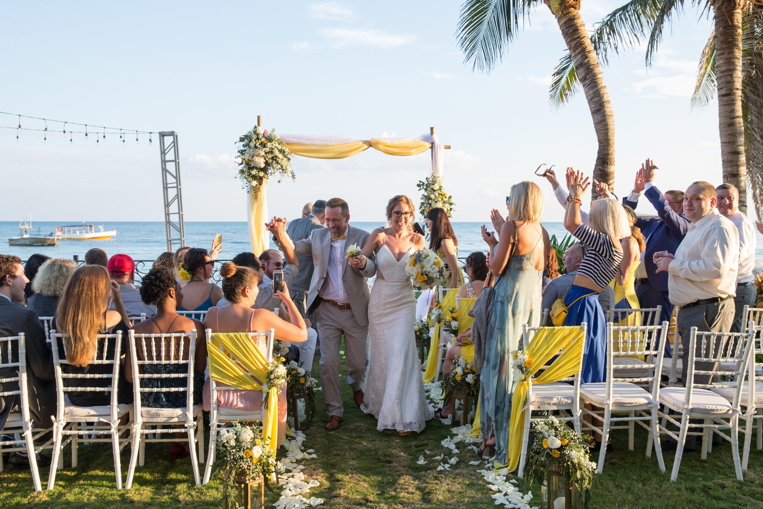 destination-wedding-venue-villa-la-joya-36.jpg