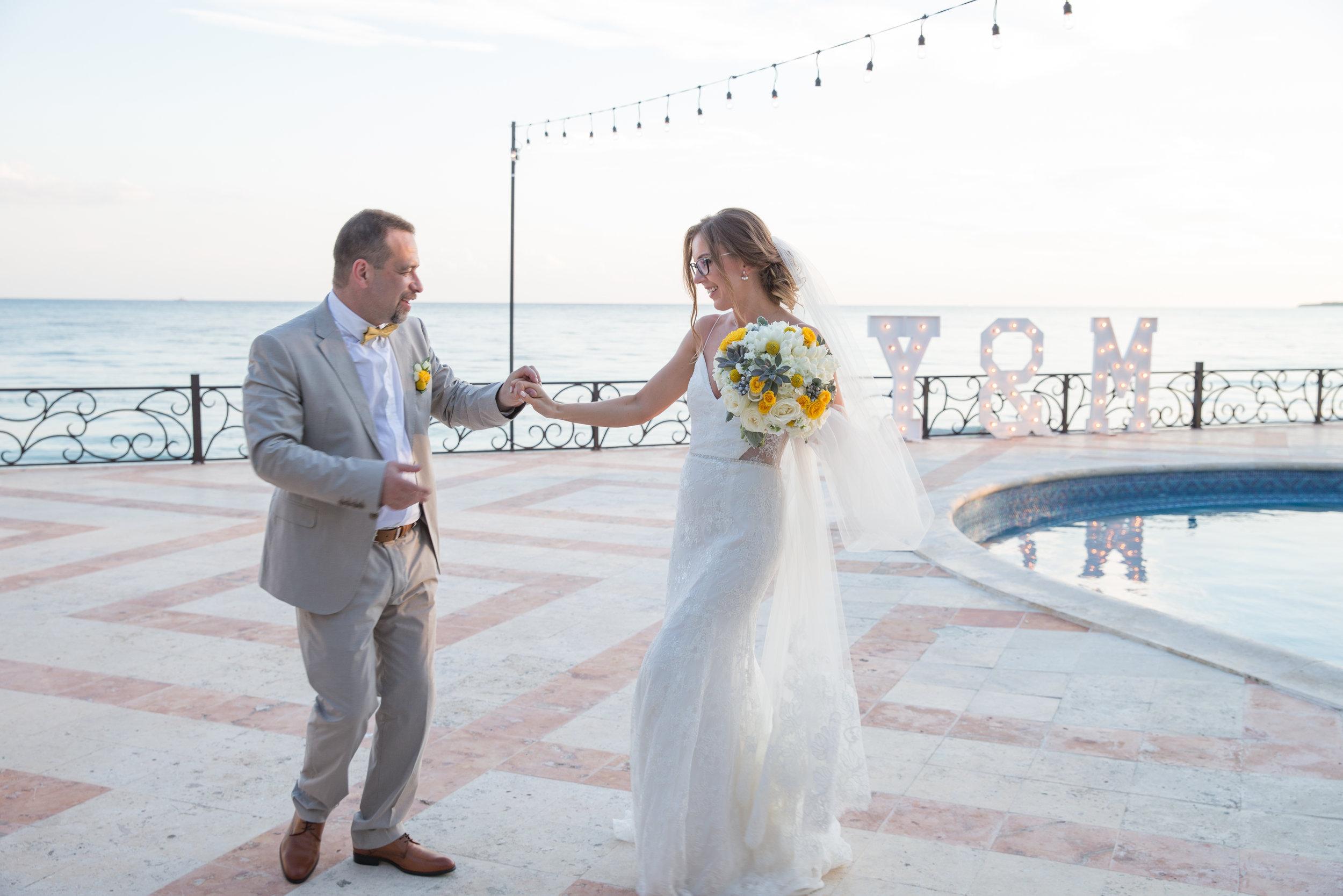 destination-wedding-venue-villa-la-joya-43.jpg