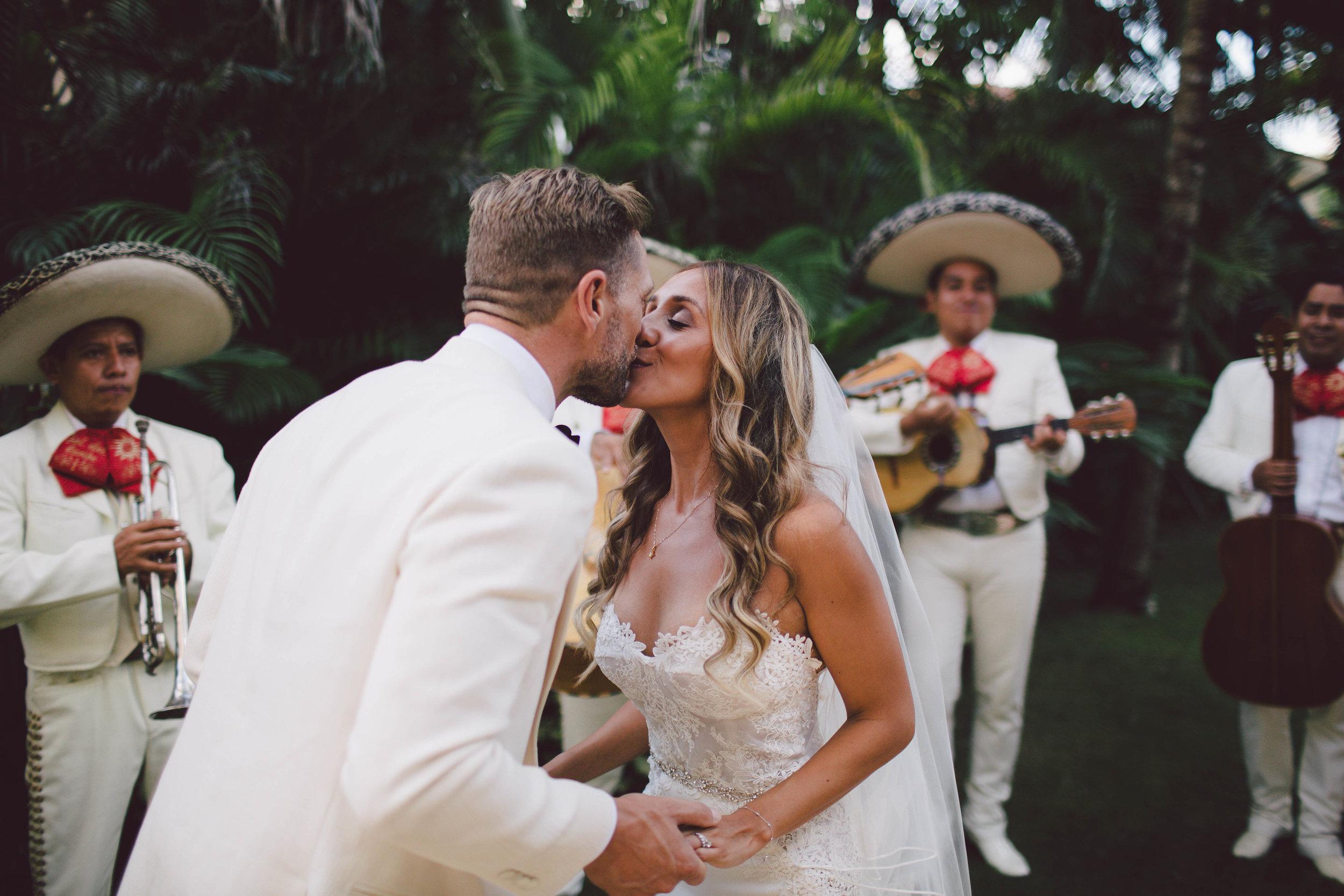 mexico_wedding_cancun_villa_la_joya_evangeline_lane_102.jpg