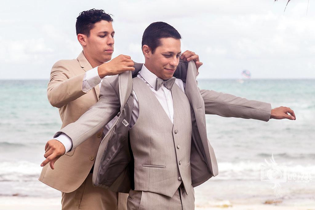 cancun-mexico-destination-wedding-villa-la-joya-09.jpg