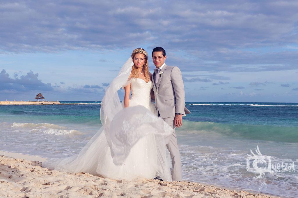 cancun-mexico-destination-wedding-villa-la-joya-24.jpg
