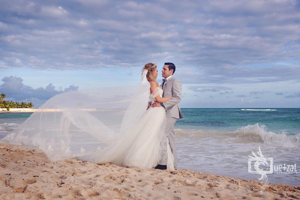 cancun-mexico-destination-wedding-villa-la-joya-25.jpg