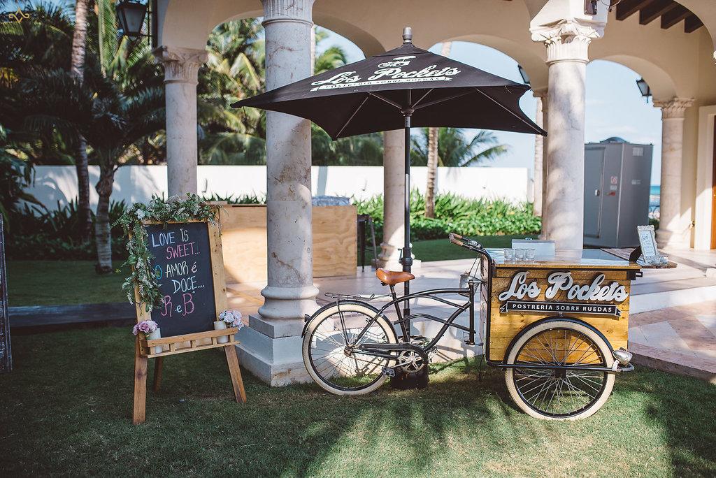 cancun-destination-wedding-mexico-villa-la-joya-32.jpg