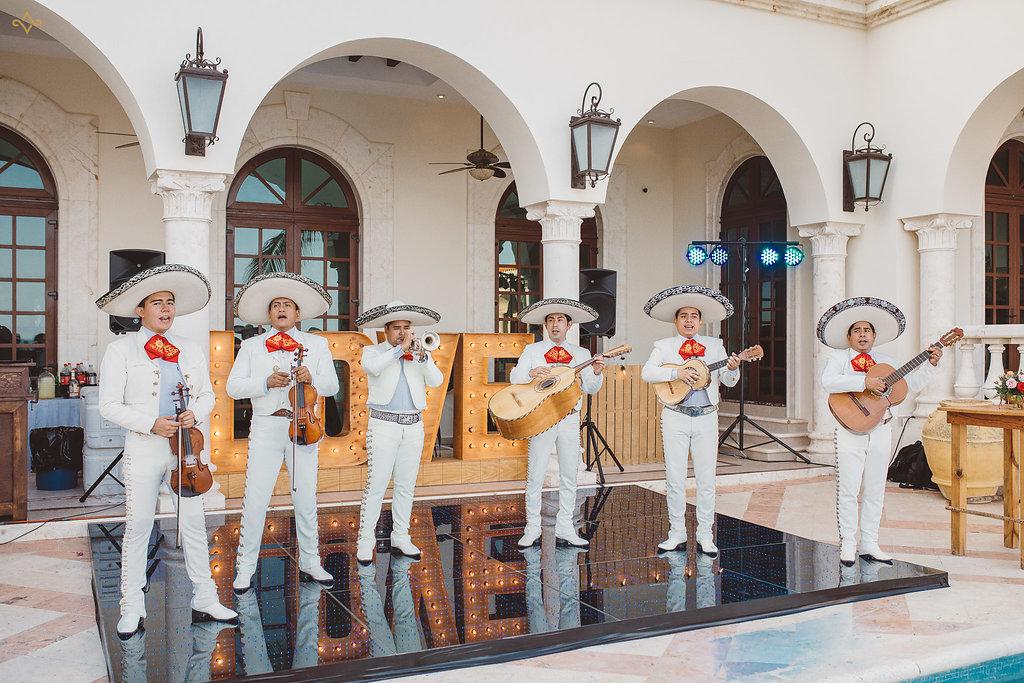 cancun-destination-wedding-mexico-villa-la-joya-33.jpg