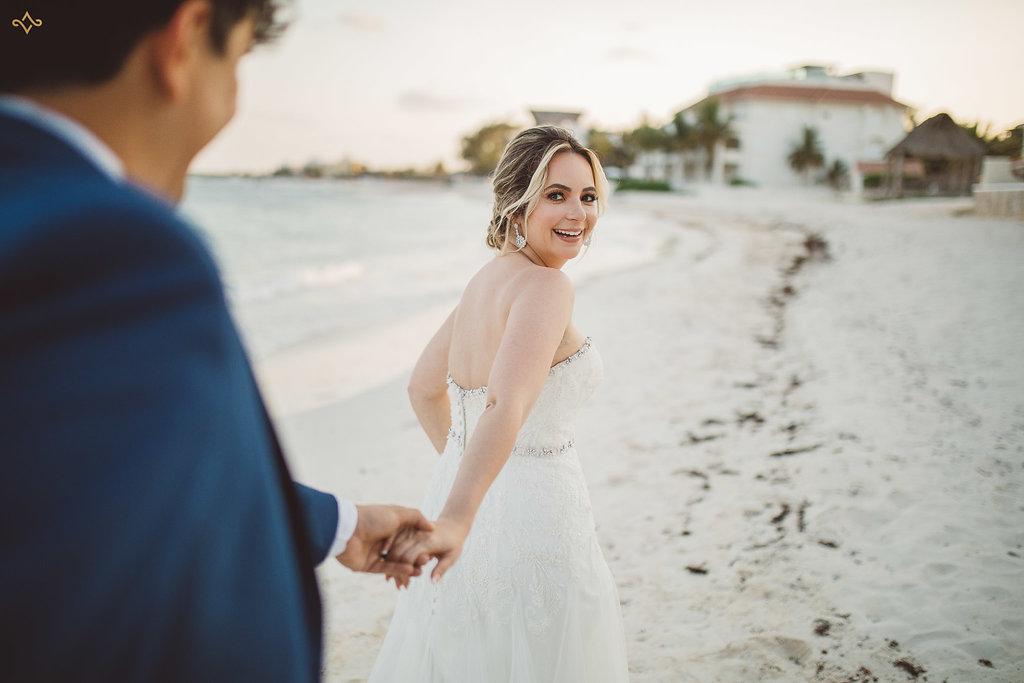 cancun-destination-wedding-mexico-villa-la-joya-39.jpg