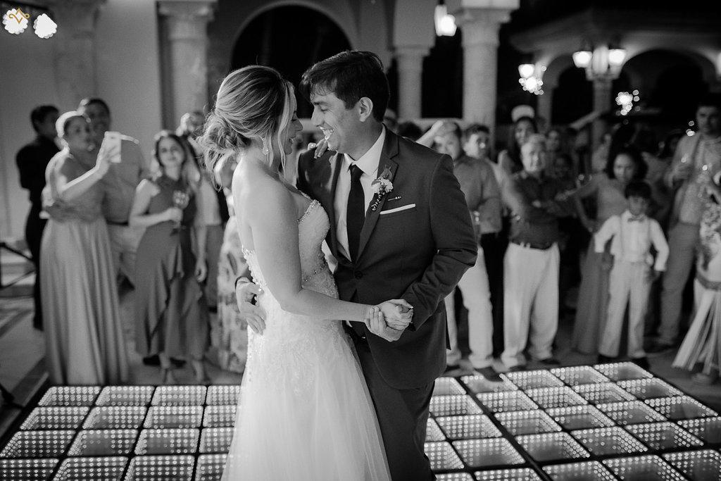 cancun-destination-wedding-mexico-villa-la-joya-44.jpg
