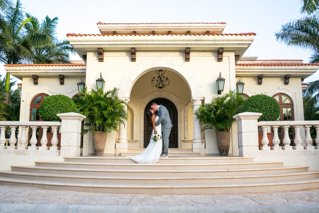 We will be featuring Fun in the Sun Weddings images of Jessica & Shae's wedding shortly!