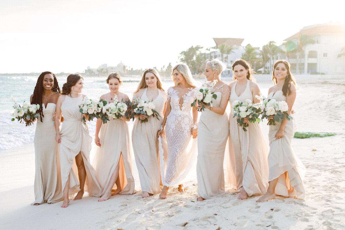 18 Destination Wedding Trends in Bridesmaids' Dresses — Villa La ...