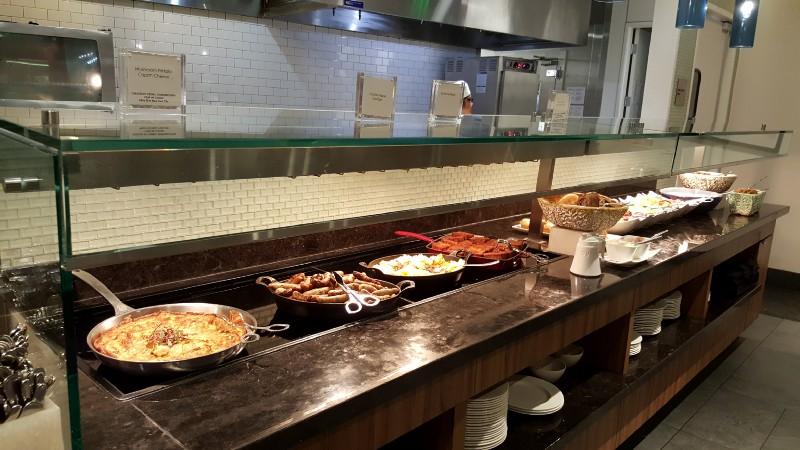 breakfast at the SFO Centurion Lounge