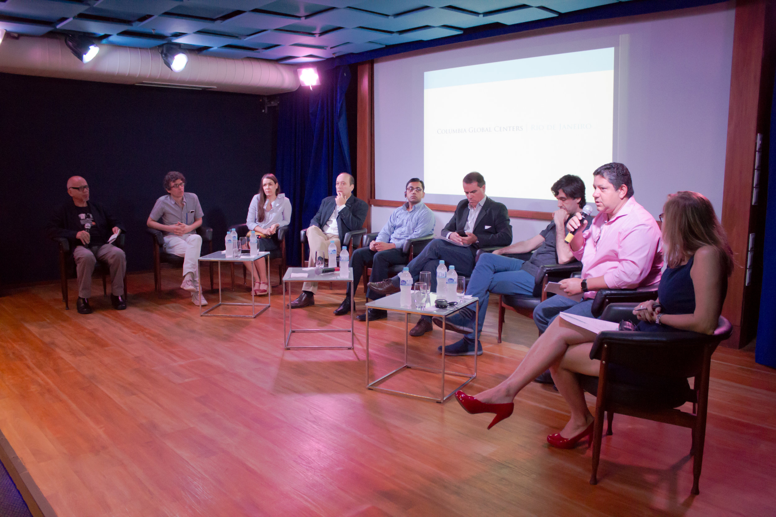 Participating in the debate following the lecture (image: Studio-X)