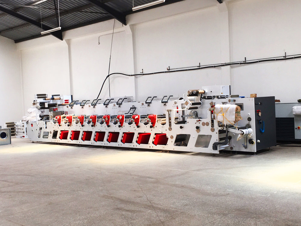 FLEXO MACHINE - Flexography is the major process used to print packaging materials for industries such as the consumer industry, pharma industry, cosmetic industry and lubricant industry.Modern lithographic has one of the most advanced machinery for this job.
