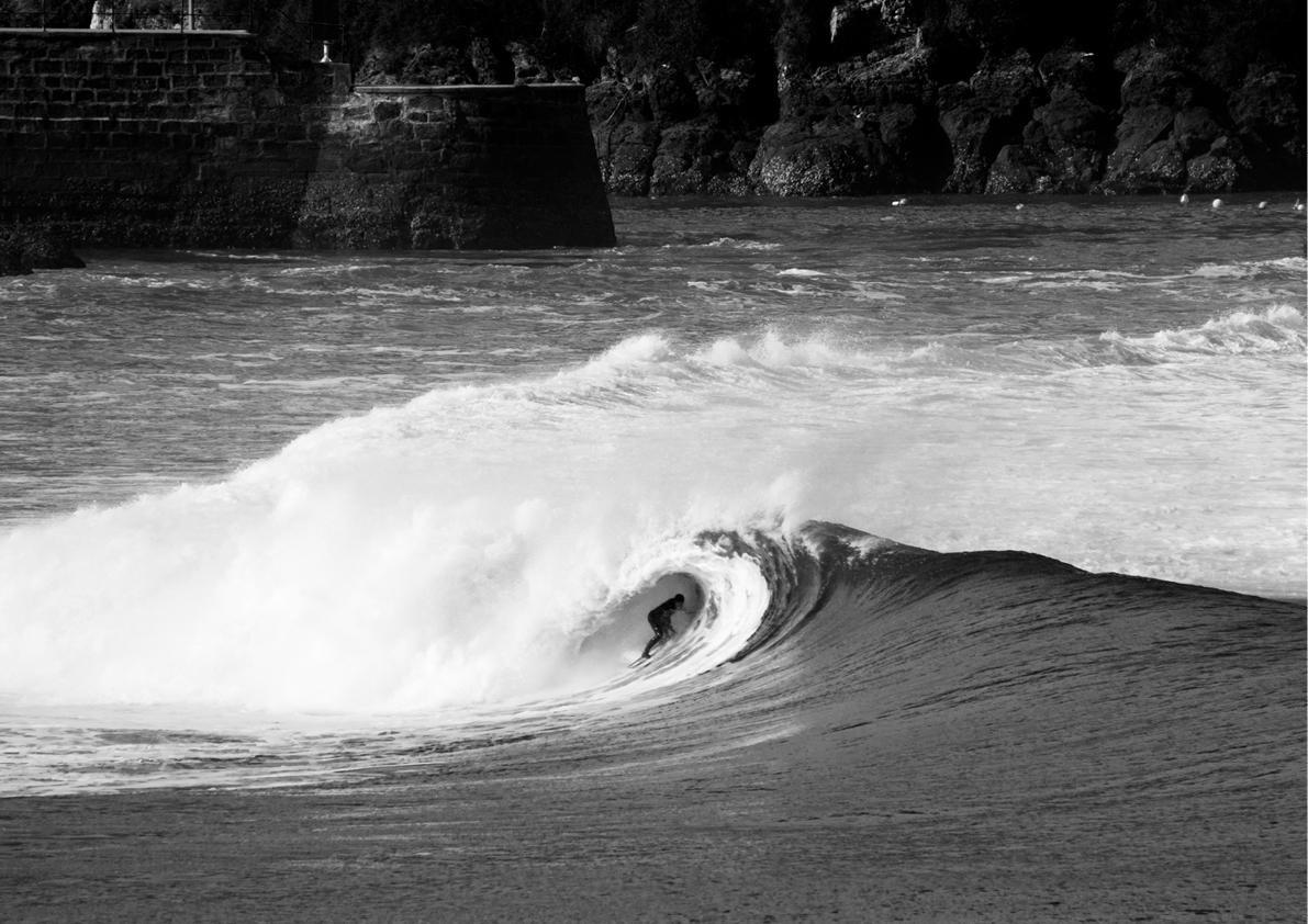 2018 Pukas Surf MUNDAKA surfing the basque country6.jpg