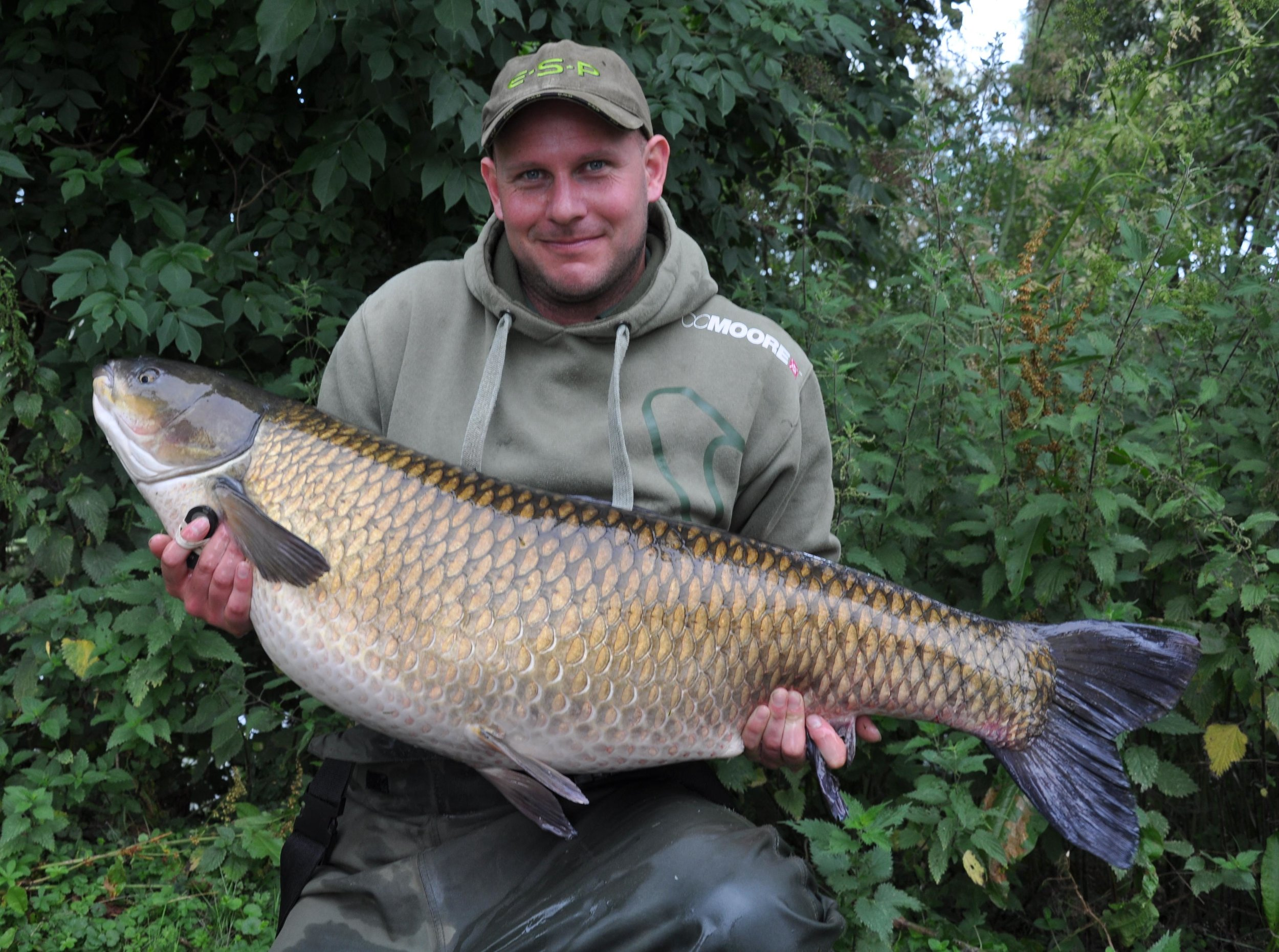 Kev Hewitt with a mid-forty grass carp