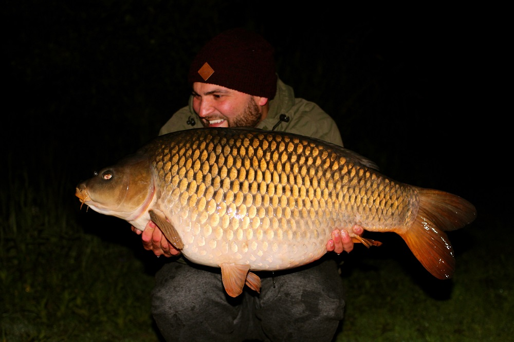 Craig Mortimer with a 28lb common
