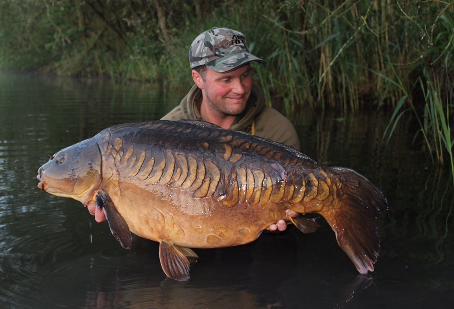 Craig had caught the Floppy Tail Linear at 47lb 4oz the week before