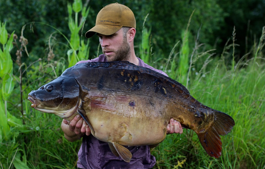 Nick Windass with the 48lb 8oz Aire monster