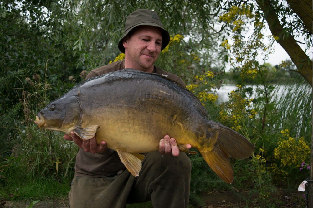 This chunky mirror weighed 30lb exactly