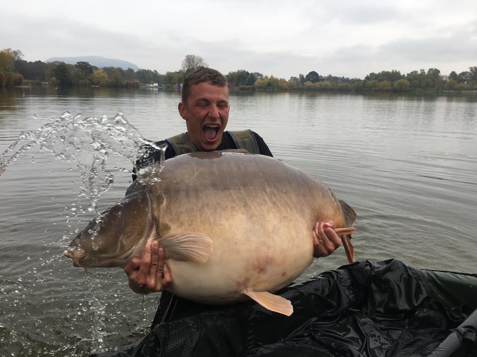 The Austrian captor gets a soaking.Photo courtesy of Euro Aqua (www.facebook.com/euro.aqua)