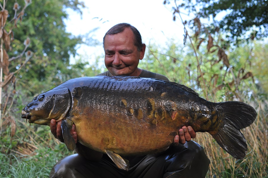 This 40lb 9oz mirror is called Cracker
