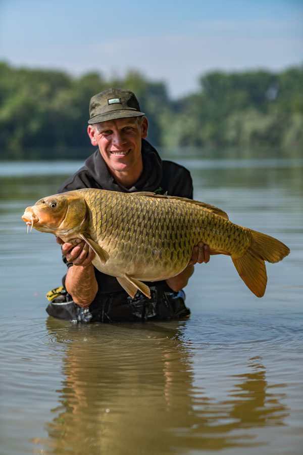 A surprise gravel-pit ghosty that fell to Alan's hand-placed hookbait