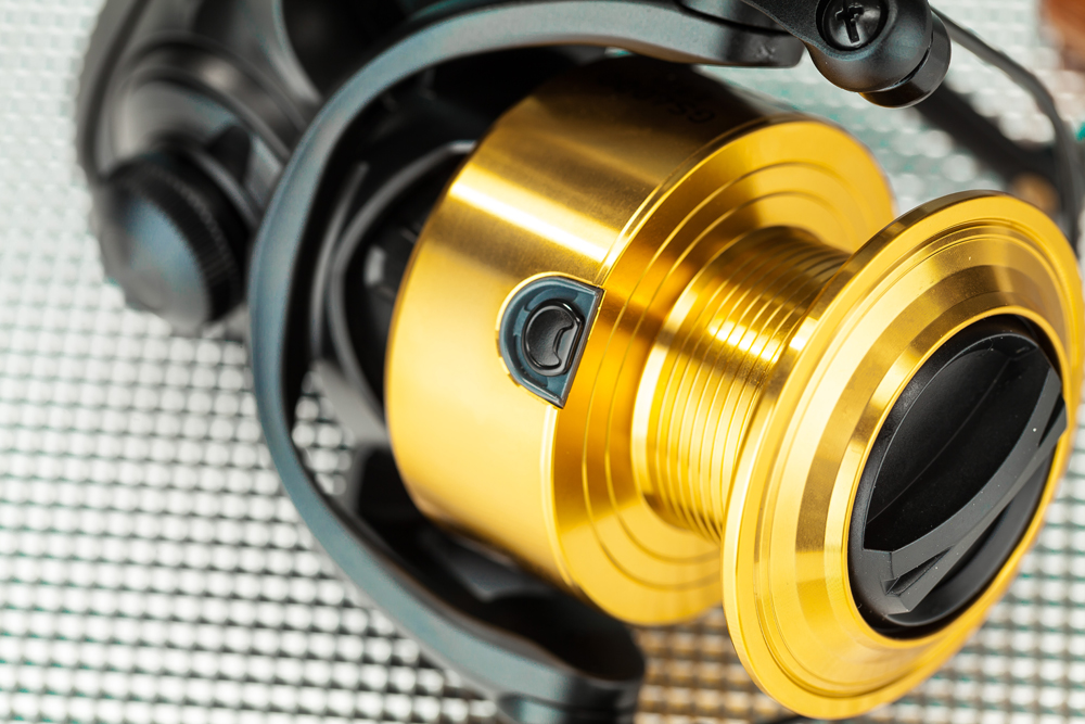 The gold spool evokes memories of the SS2600, but the line clip is far superior!