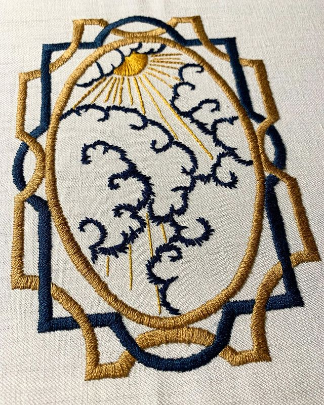 happy summer solstice, weirdos. go sit in the sun today, even for 5 minutes. take a day off complaining about the irish weather ☀️ #summersolstice . . . #embroidery #handembroidery #handembroidered #workinprogress #wip #modernembroidery #bluedayspass #solstice #sunshine #artdeco #artdecodesign #claridges #hotelart #commissionwork #summer #clouds #bums
