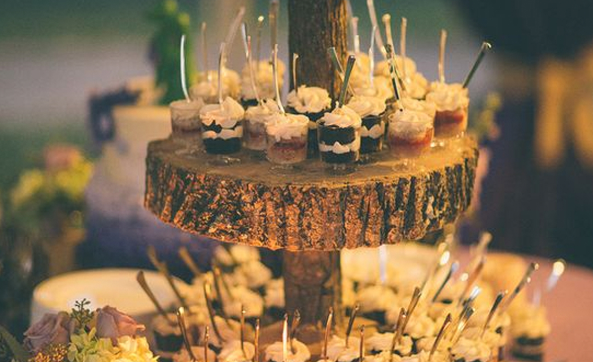 FOOD PRESENTATION  With bespoke ways to present food you can make your Wedding meal layout fun and stylish. We have bowls, platters, cake stands and everything else to make yours stand out.