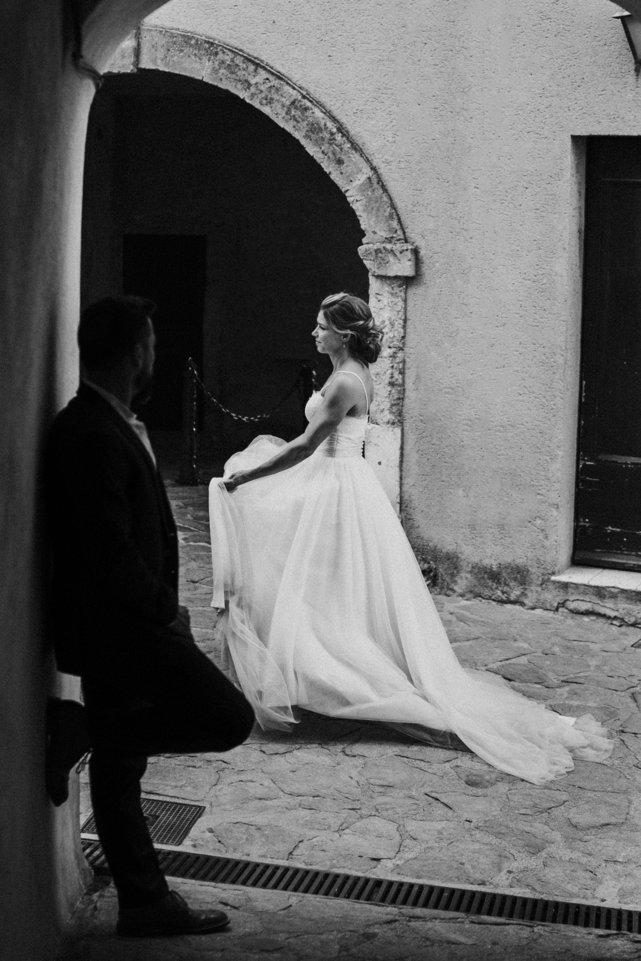 english photographer in france, wedding photographer saint tropez, romantic wedding photography france, chateau wedding france, cote d'azur wedding photographer, ramatuelle wedding (21).jpg