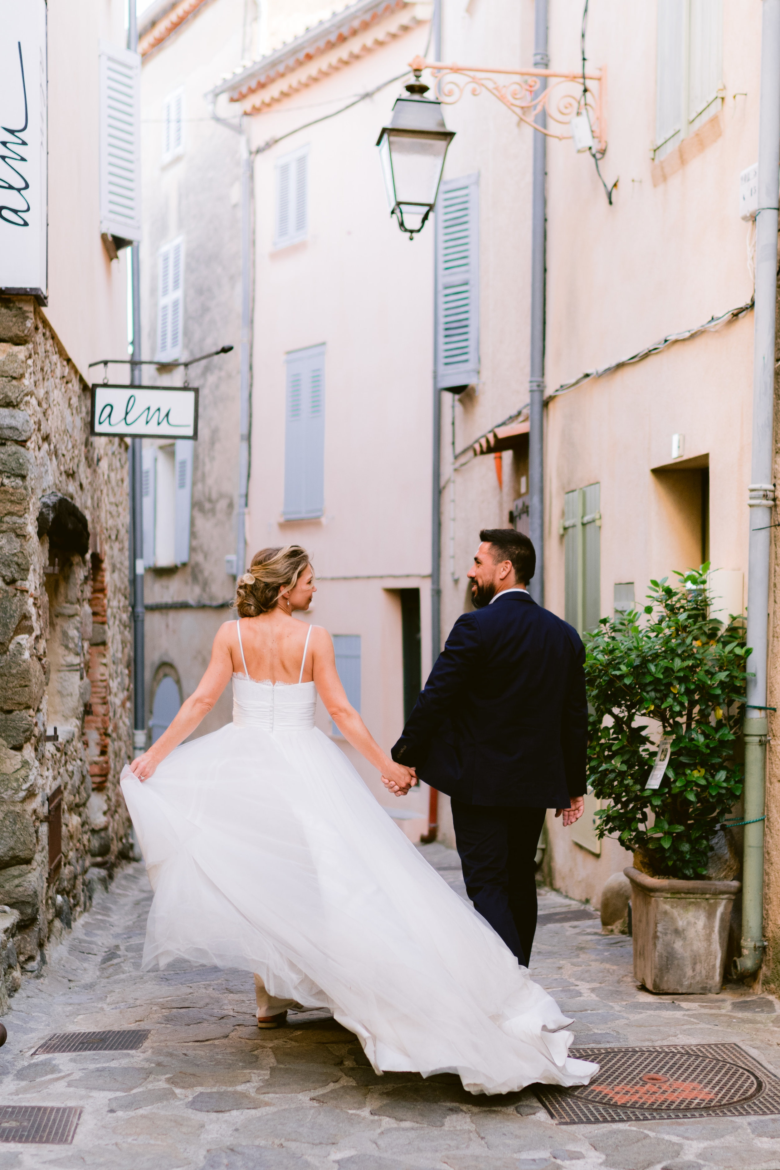 english photographer in france, wedding photographer saint tropez, romantic wedding photography france, chateau wedding france, cote d'azur wedding photographer, ramatuelle wedding (24).jpg