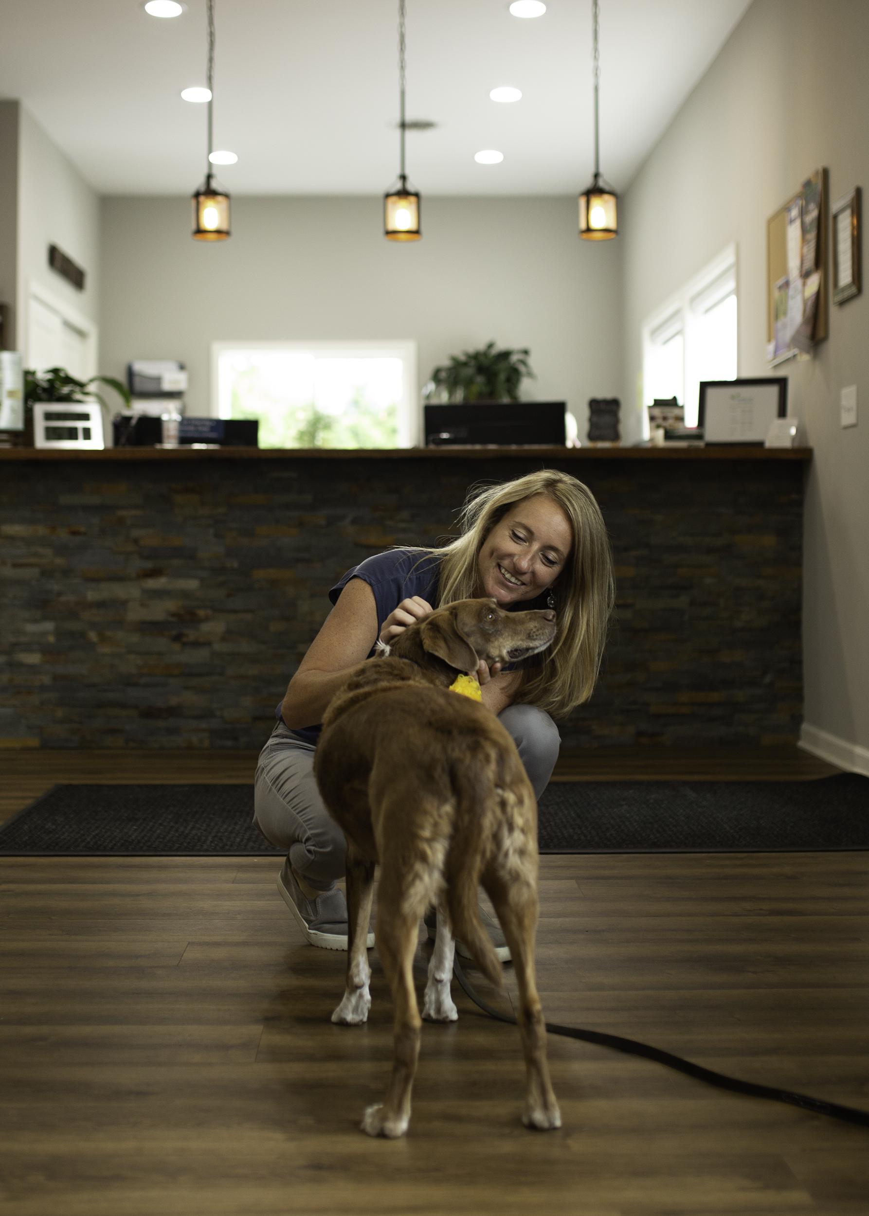 chiropractor-pets-dog-chosen-spot-erin-cunningham-photography-canandaigua-new-york.jpg