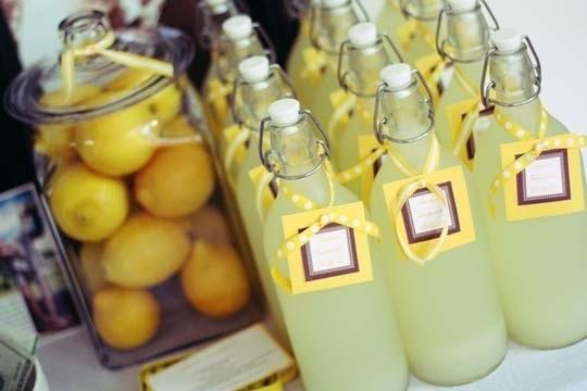 Lemonade Favors