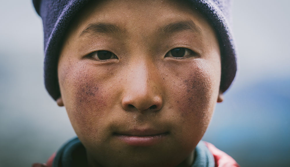 Loved-By-All-The-Story-of-Apa-Sherpa-4.jpg