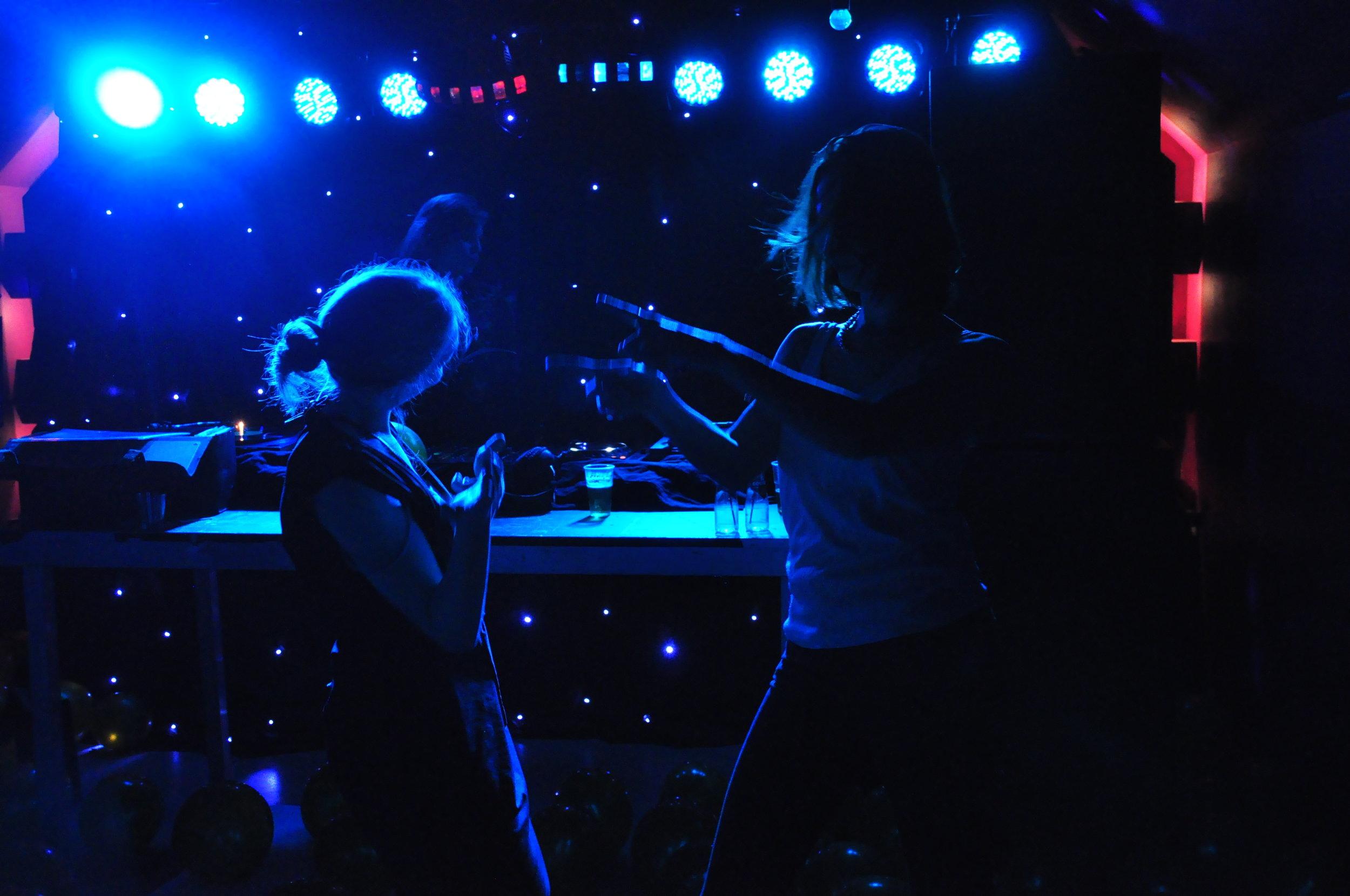 DJ Miss Trudy - vintage music vinyl rock n roll dj bruiloft evenement bedrijfsfeest dj personeelsfeest