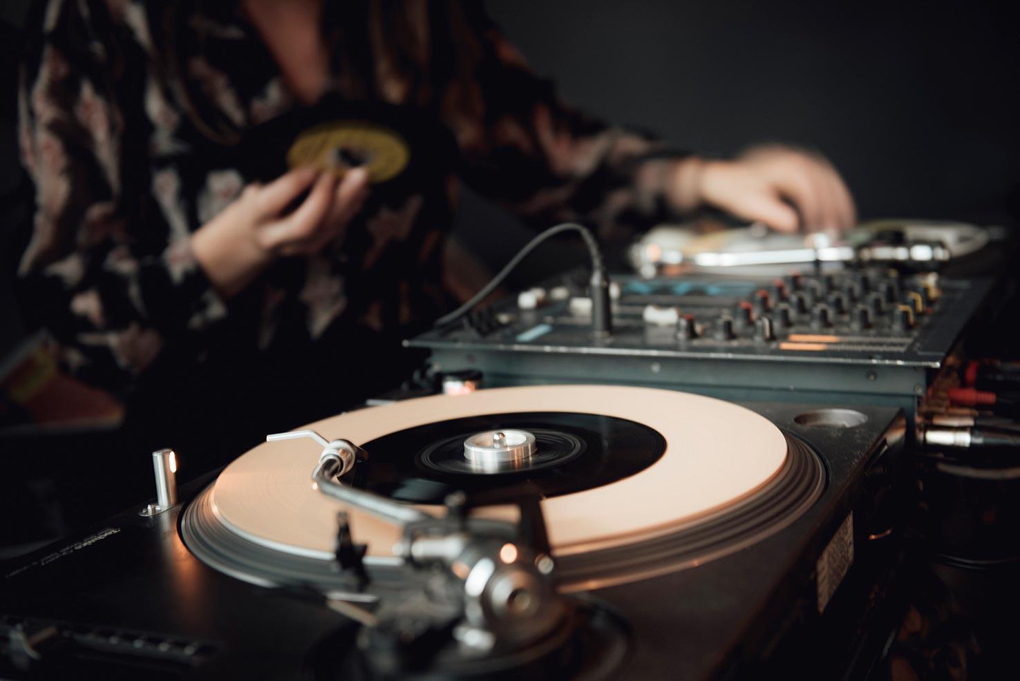 DJ-Miss-Trudy-Bruiloft-Feest-Rotterdam-4.jpg