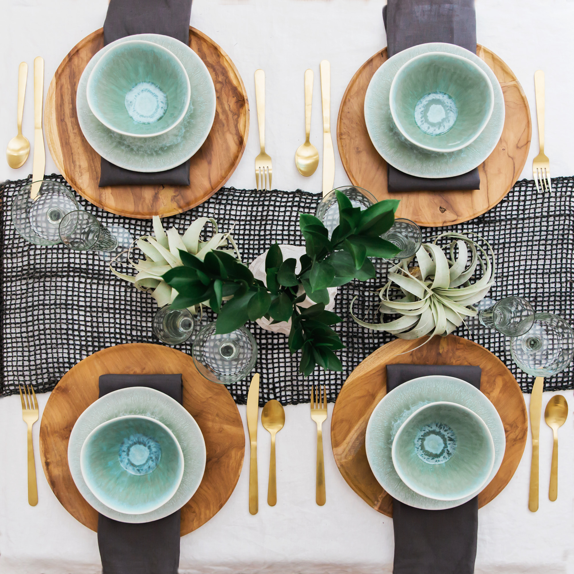 6 TIPS FOR CREATING EASY + AFFORDABLE TABLE SETTINGS