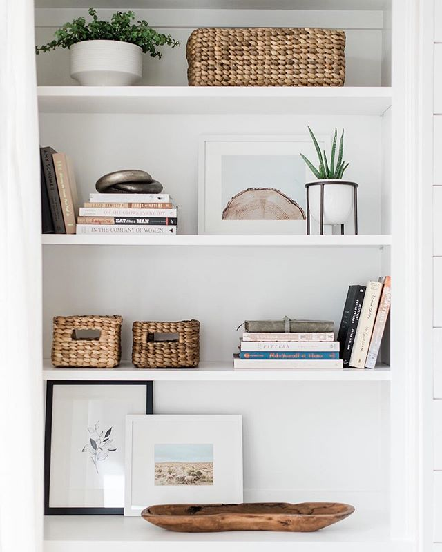 Happy Friday!! I'm looking forward to a weekend at home getting caught up on personal to-do lists and prepping for an upcoming trip! At the top of my list is styling our dining room shelves and I'm feeling inspired by these from our collaborative design with @youngerhomes. What are your weekend plans?! • • • collaborative design by @haleyamanning + built by @youngerhomes + photography by @madelineharperphoto • • • #sanantoniodesign #sodomino #edesign #theeverygirlathome #idcoathome #howihaven