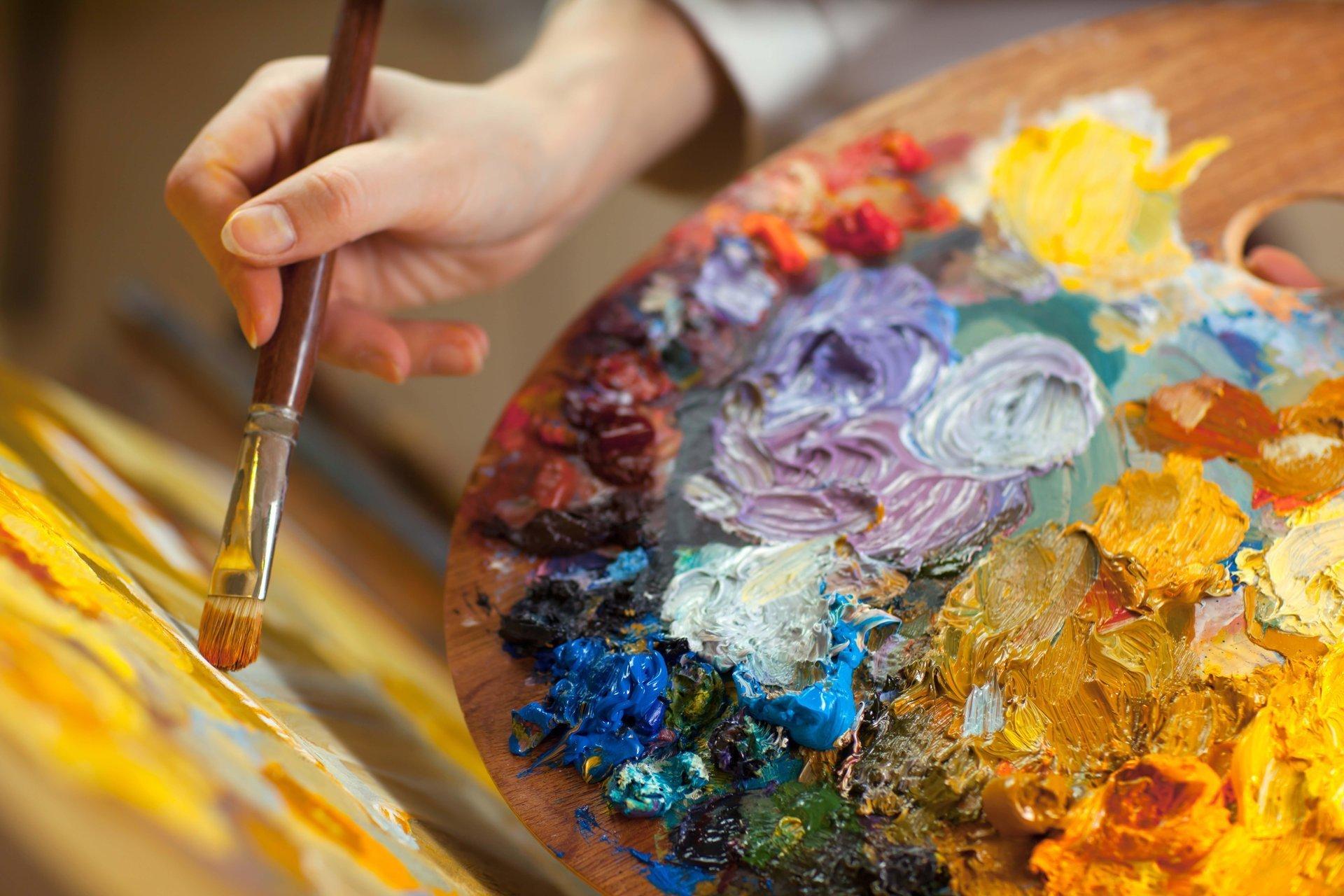 the-artist-drawing-palette-color-paint-easel-brush-creativity-art-good-idea-close-up-blur-bokeh-wallpaper[1].jpg