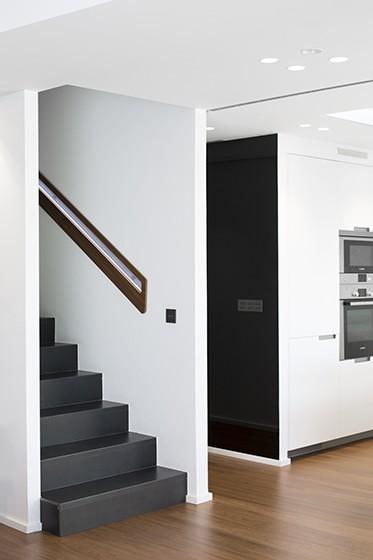 8_interior (1).jpg
