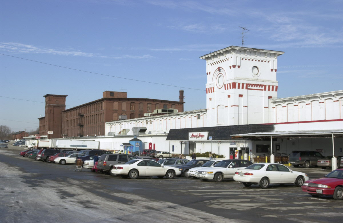 The Ann & Hope store and corporate headquarters in Cumberland, Rhode Island. Fiore and his crew used this parking lot as a staging area to get ready for the heist. Courtesy of The Providence Journal/Kris Craig.