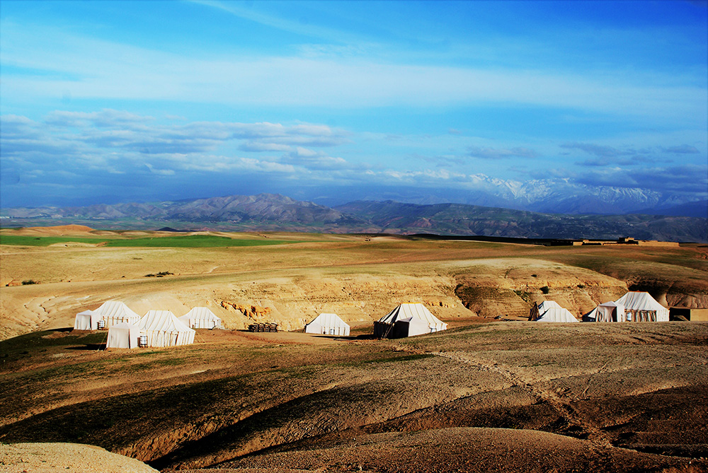 Agafay Desert - Visit the rolling hills of Agafay, only 30 minutes from Marrakech, for a desert experience near the Red City.