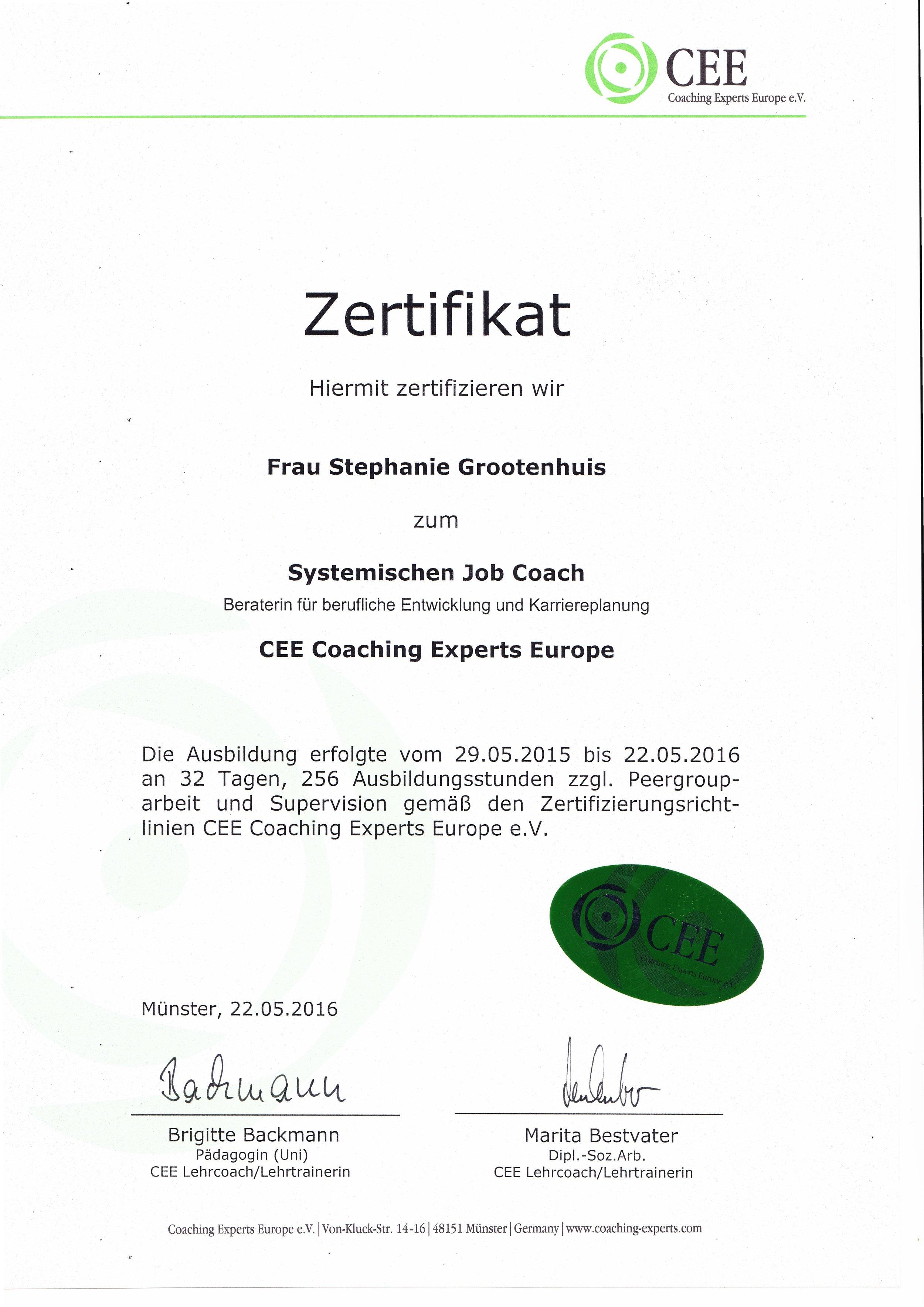 Solide Ausbildung, in Umfang und Praxisbezug deutlich über den Minimal-Anforderungen, die die meisten Coaching Verbände festlegen.