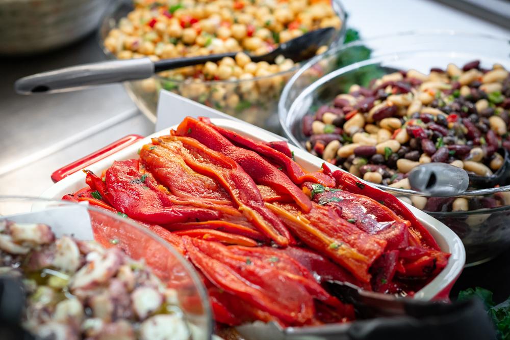 food-display-at-farm-grill.jpg