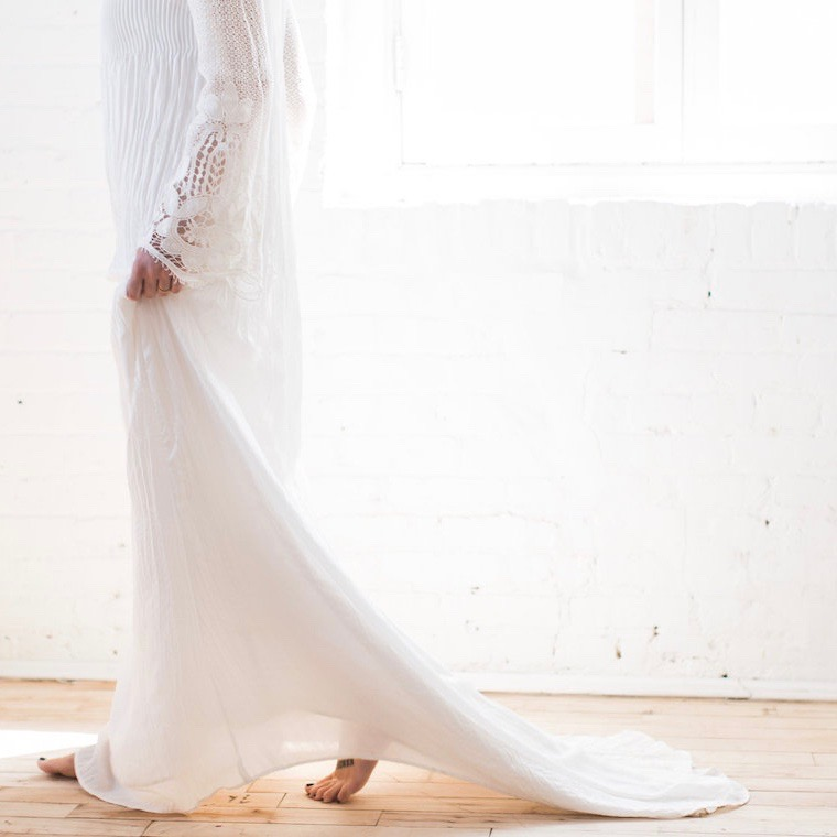 Light-Modern-Wedding-Inspiration-With-Cool-Modest-Gowns-Sons-and-Daughters-Photography-57-1140x760 2.jpg