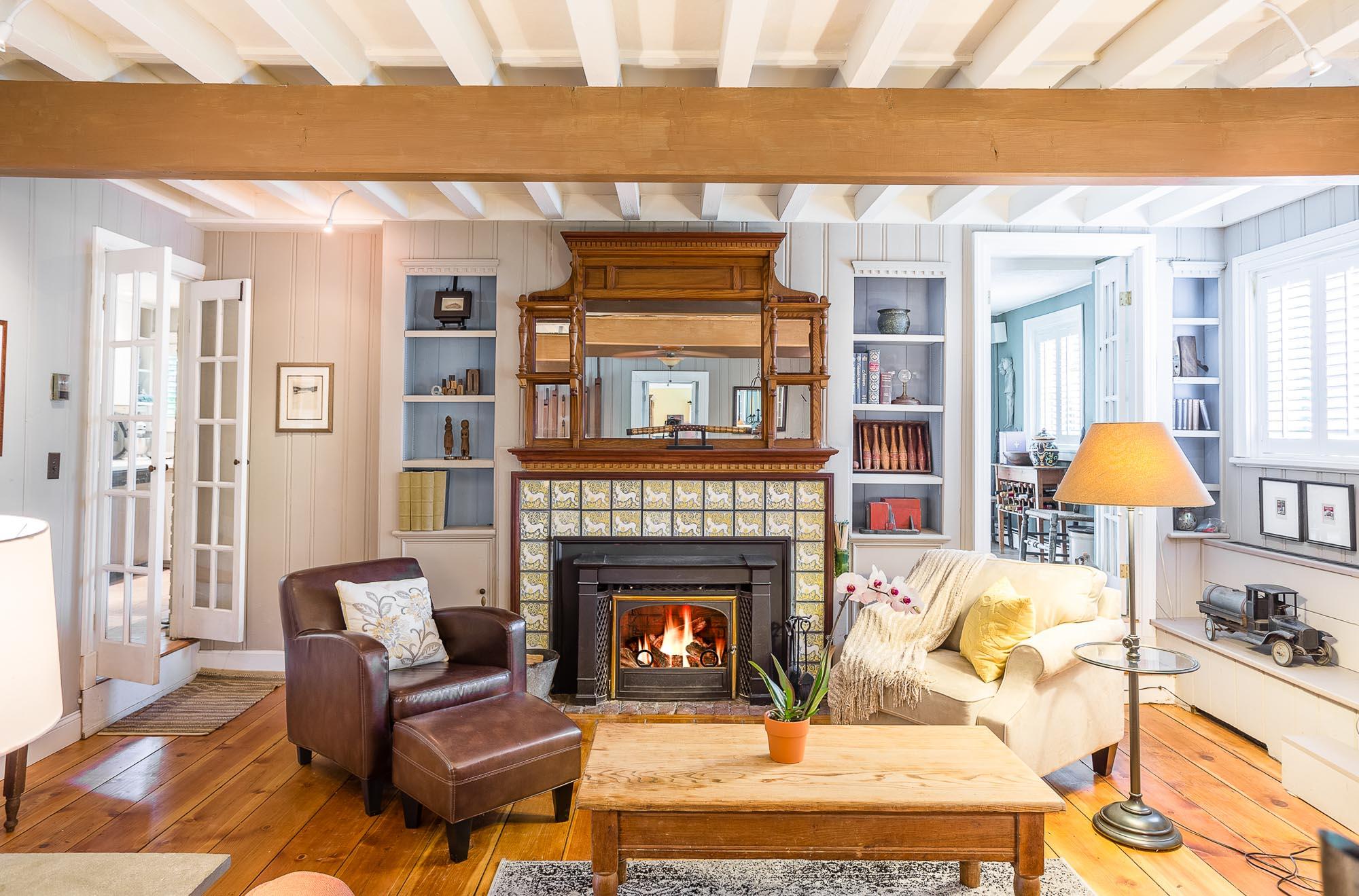 cottage living room home for sale putnam ny