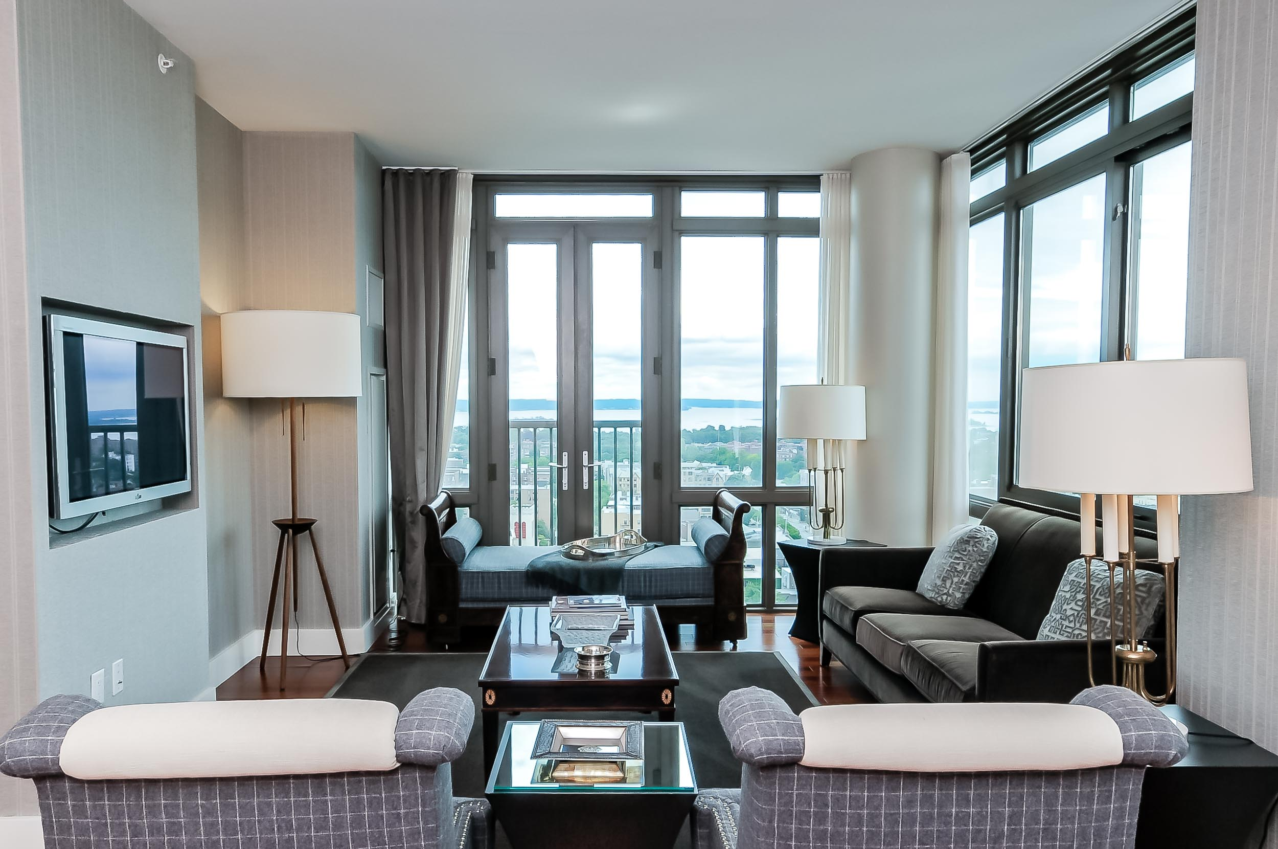 Luxury Condo to Buy at Trump Plaza in Westchester